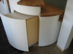 Pullout_cupboard